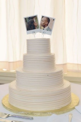 Personalized Wedding Cake Photos